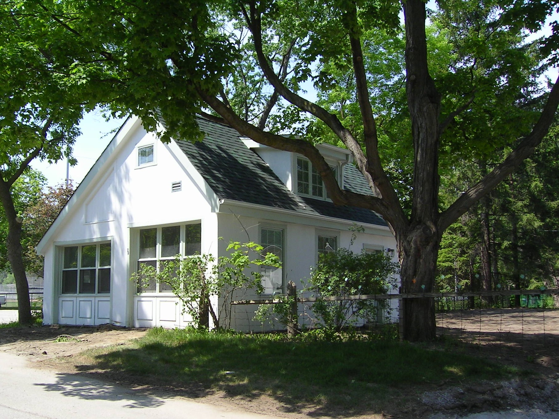 Studio at 42 Old Yonge St., Thornhill